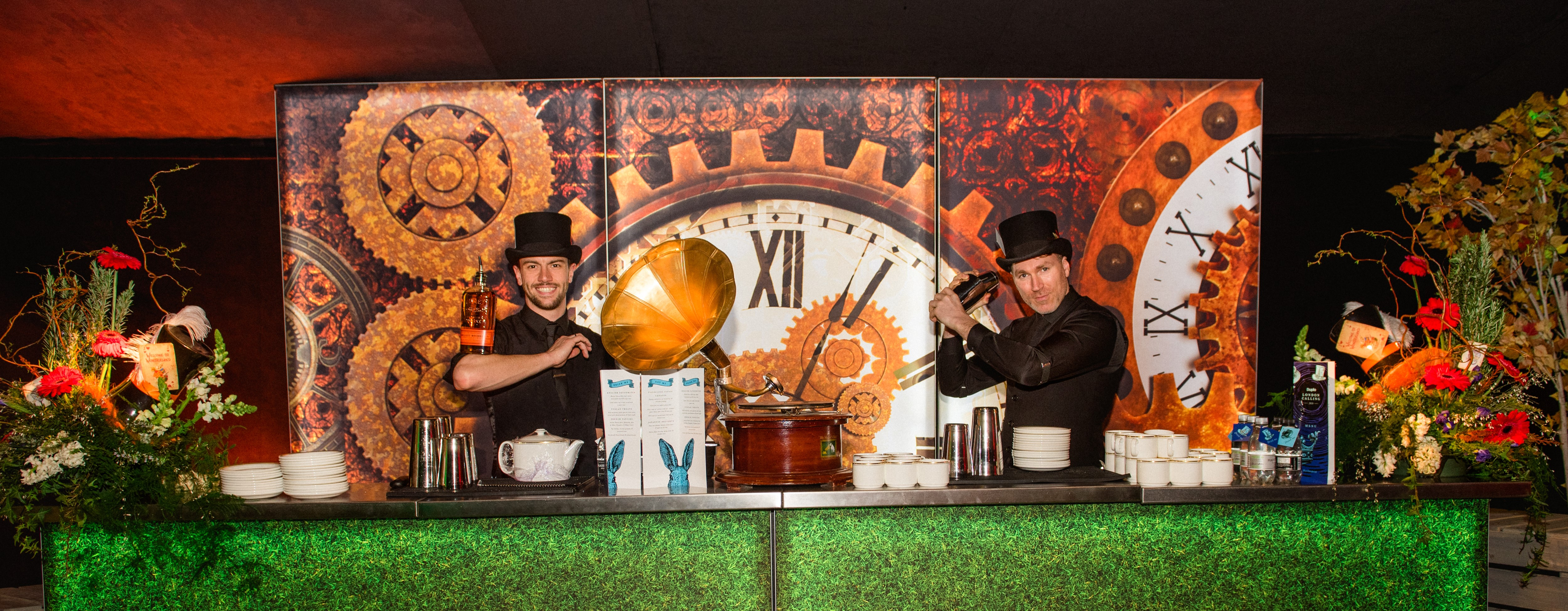 Party catering with a themed bar