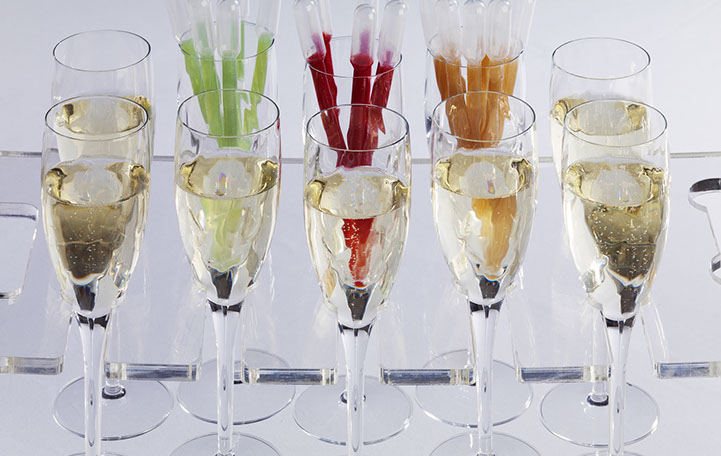 Bellini pipettes of pear, raspberry or peach